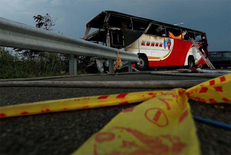 每次一發生大客車的大事故,最不能忍受的是:把問題都歸罪於都是「拼裝車」惹的禍。 圖/路透社
