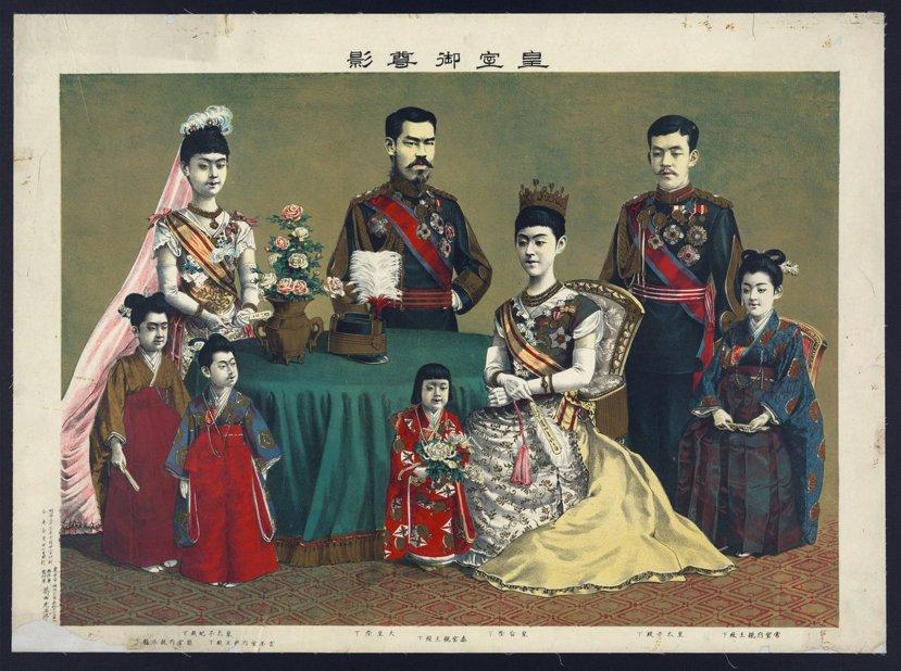 就算是身為日本史上政治性最強的天皇之一的明治天皇,仍然盡量保持著天皇「統領而不裁...