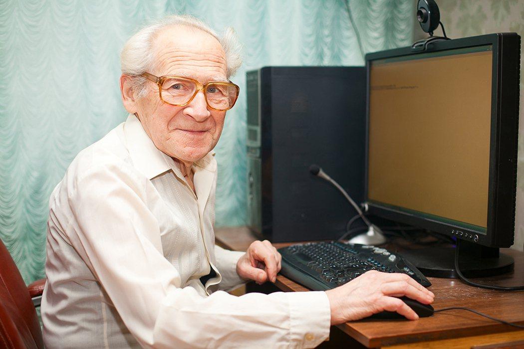 老人可以是很好的上班族 圖片/shutterstock