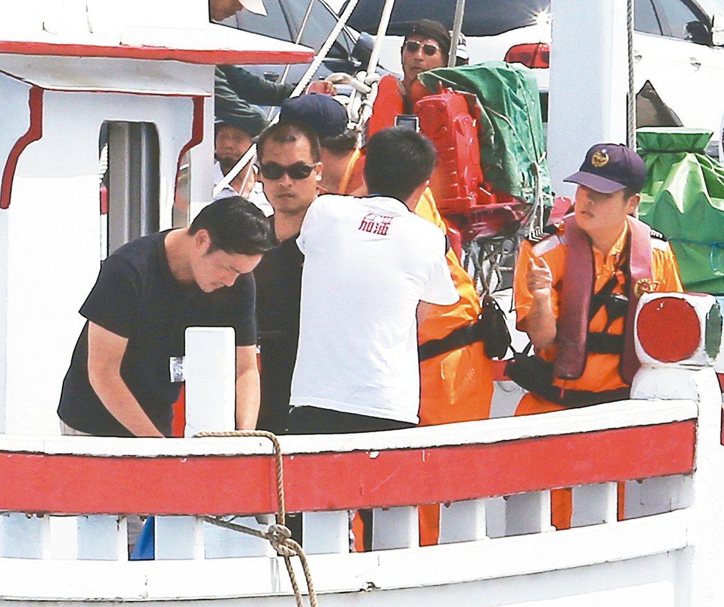 屏東護太平島行動船隊上午十點抵達新園鹽埔漁港。 記者劉學聖/攝影