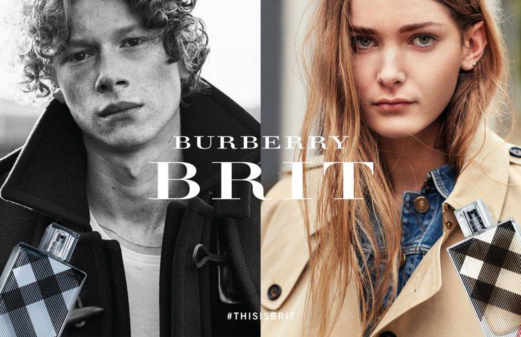 貝克漢長子布魯克林拍攝的BRIT系列香水廣告。圖/Burberry提供