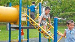彰投/沙坑、小鹿、溜冰場… 鹿港兒童公園人氣王