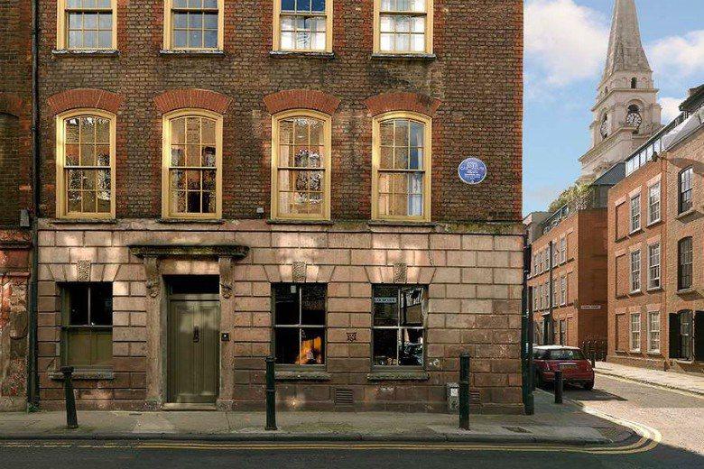 倫敦藍色牌匾因提高了人們的歷史意識,而促成了建築物的成功保存。 圖/Englis...