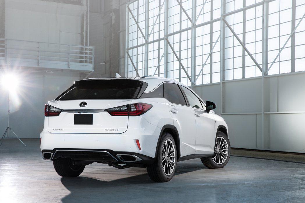 RX本月銷售亮眼,下半年有機會導入200t F Sport版本。 圖/Lexus...
