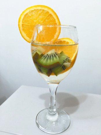 水果水熱量低且視覺漂亮。 圖/潘璿凱提供