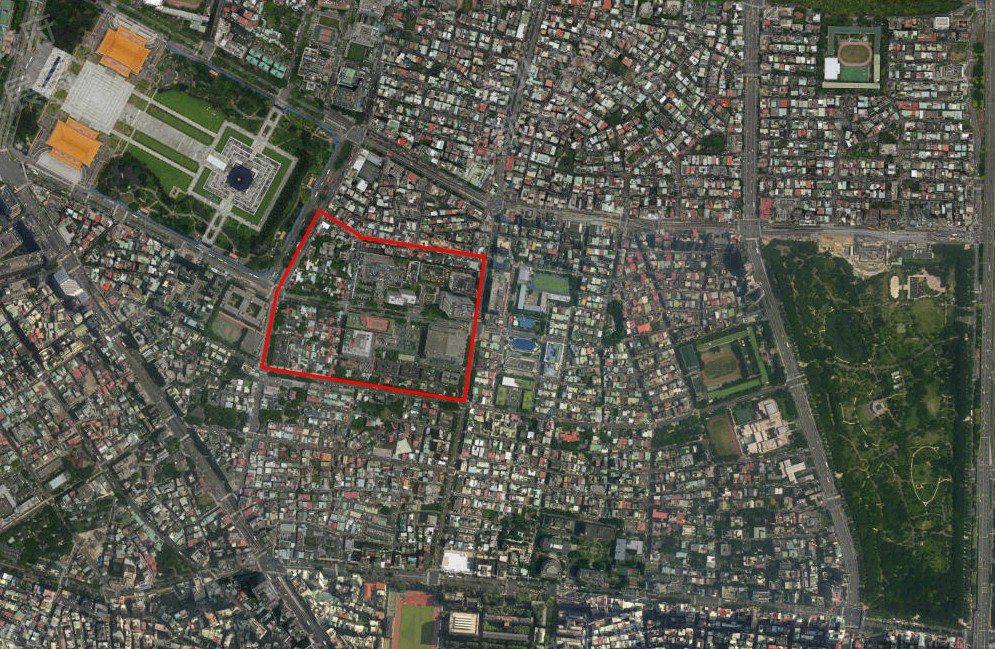 華光社區如紅色區域,位於市中心,故對照其處境,乃有金磚上難民之稱。 圖/取自中研...