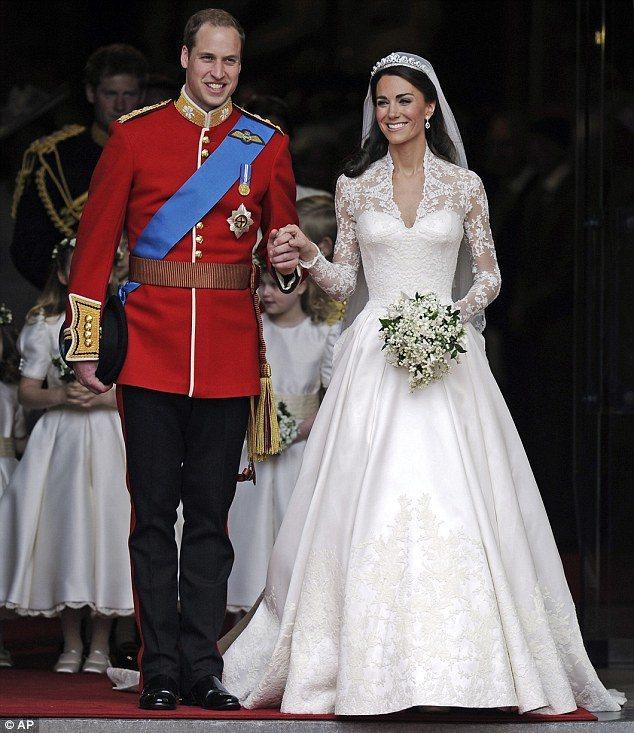 凱特王妃的婚紗掀起近年來長袖婚紗流行。圖/美聯社
