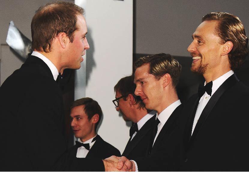 威廉王子(左)與同樣就讀伊頓公學的英國男星希德斯頓(右)只差一歲,兩人可說是舊識...