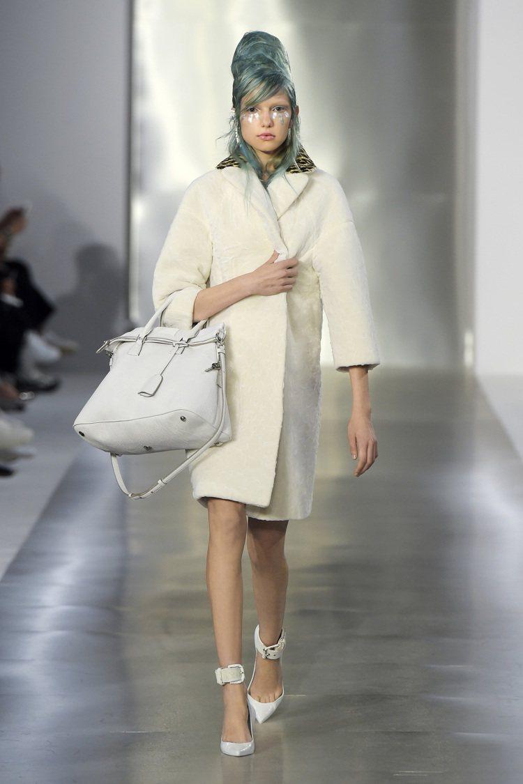 Maison Margiela 5AC手提包於巴黎2016年春夏時裝周登場。圖/...