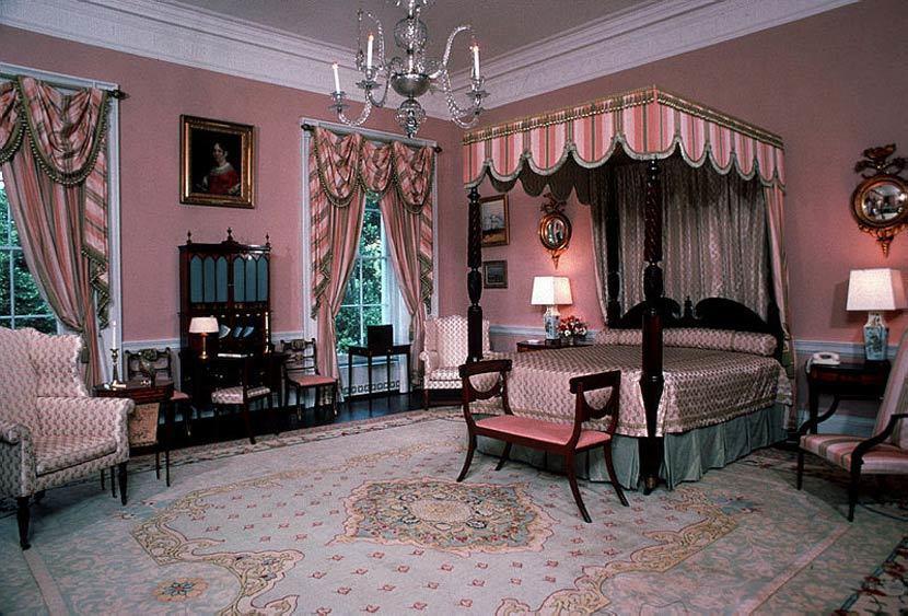 登登登!鬧鬼最兇的房間——玫瑰廳(Queen's Bedroom)。 圖/白宮官...