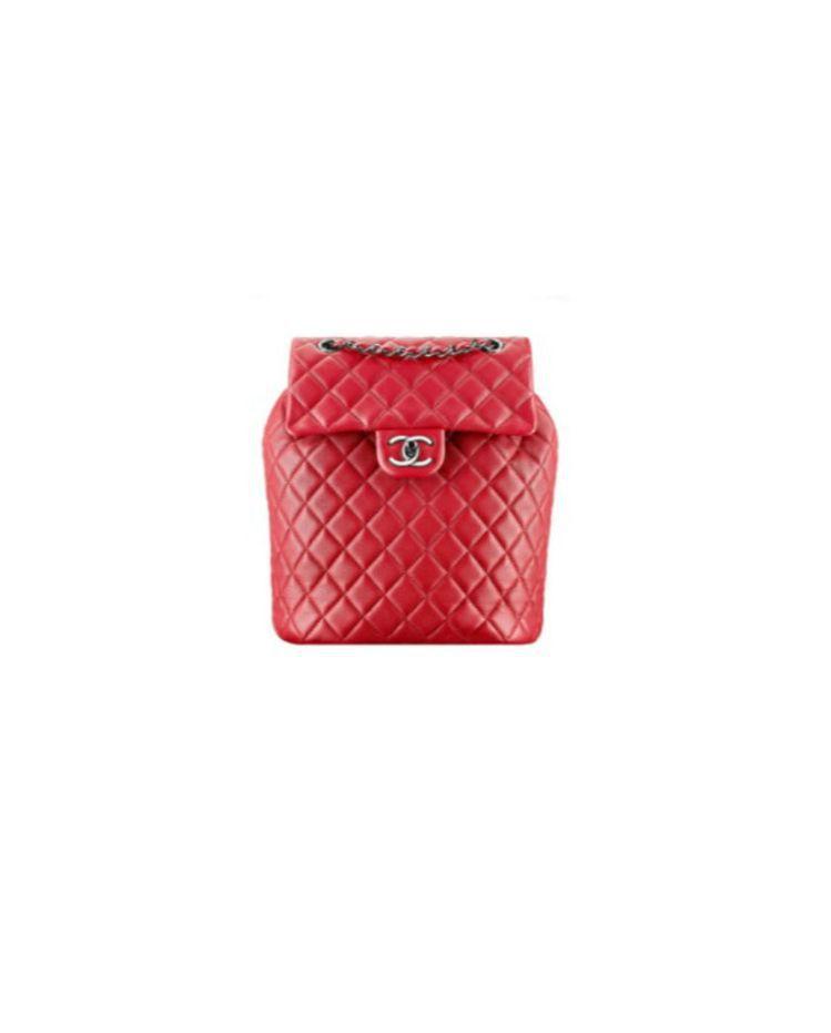 紅色皮革菱格紋後揹包 售價,114,700元。圖/香奈兒提供