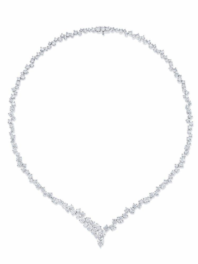 Sparkling Cluster絢漪錦簇系列鑽石項鍊,382萬1,000。圖╱...
