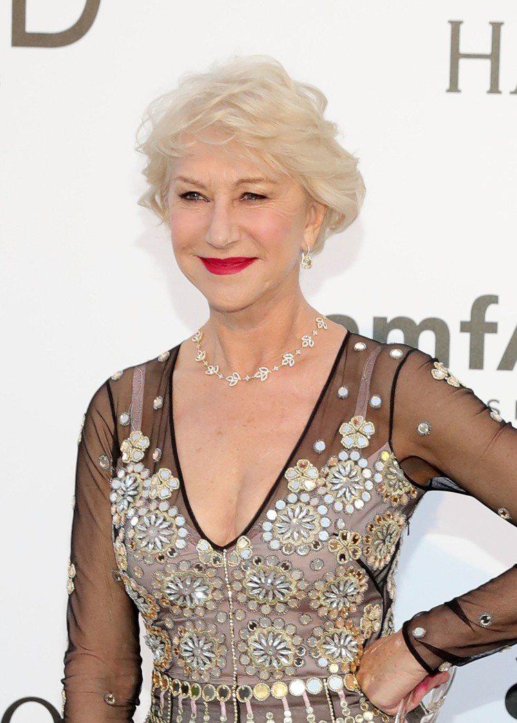 海倫米蘭配戴海瑞溫斯頓珠寶,出席amfAR法國昂蒂布晚宴。圖╱海瑞溫斯頓提供
