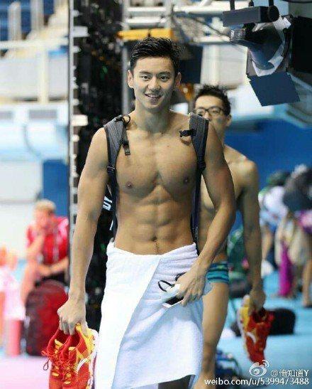中國大陸的新生代泳將寧澤濤,很有「韓星味」的五官讓他擁有許多粉絲。圖/摘自微博