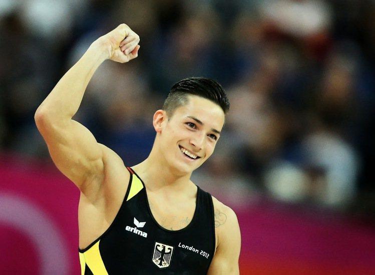 德國體操選手馬塞爾·阮(Marcel Nguyen),陽光笑容和超有型的髮型,每...