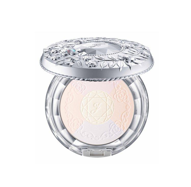 「雪紡晶透蜜粉餅」推出限量新色07 bouquet,偏淺的粉色調可以不著痕跡的為...