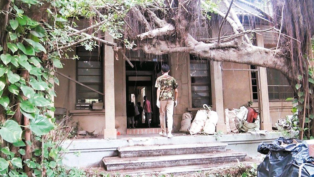 彰化縣有形文化資產審議委員會維持鹿港金銀廳為「歷史建築」。 本報資料照片