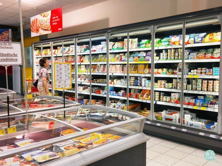 食品包裝上的保存期限時常是民眾參考是否食用的依據。 圖/defotoberg;S...