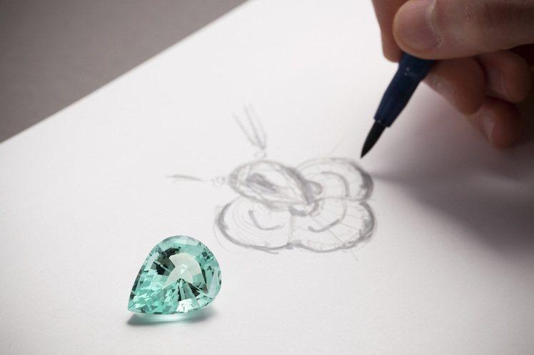 Blossom高級珠寶系列以Monogram四瓣花朵為靈感。圖/路易威登提供