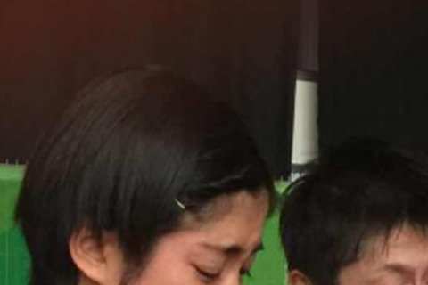此次里約奧運羽毛球賽中,日本選手數野健太與栗原文音不敵中國選手猛攻而遭淘汰,兩人在賽後接受記者採訪時還難過地流下淚來,網友看到兩人的照片,赫然發現與明星陳妍希、陳漢典長得超級像!
