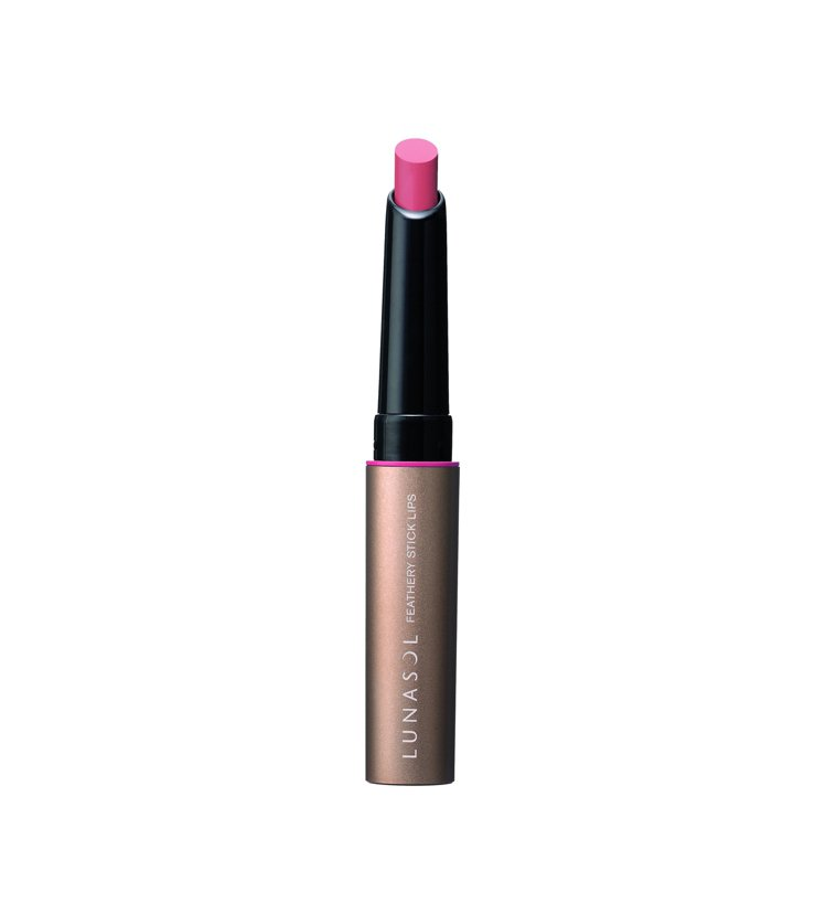 佳麗寶LUNASOL羽霧唇膏推出限定兩色,也可當唇線筆使用。圖/佳麗寶提供