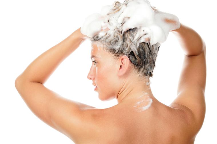 洗頭。 圖/shutterstock