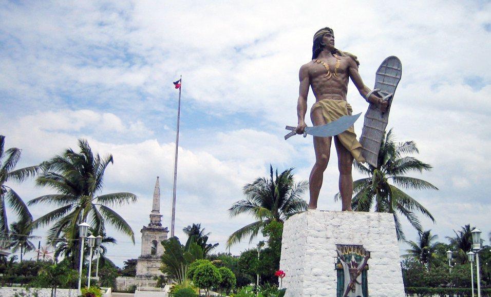 Lapu-Lapu雕像。圖/取自Wng