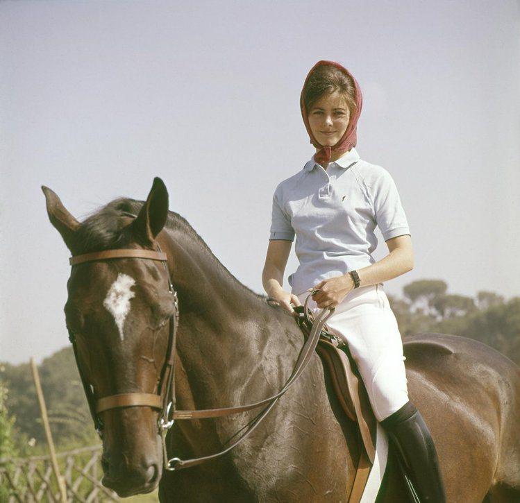 1960年羅馬奧運會上,盛裝舞步騎手Patricia Galvan。圖文:悅己網