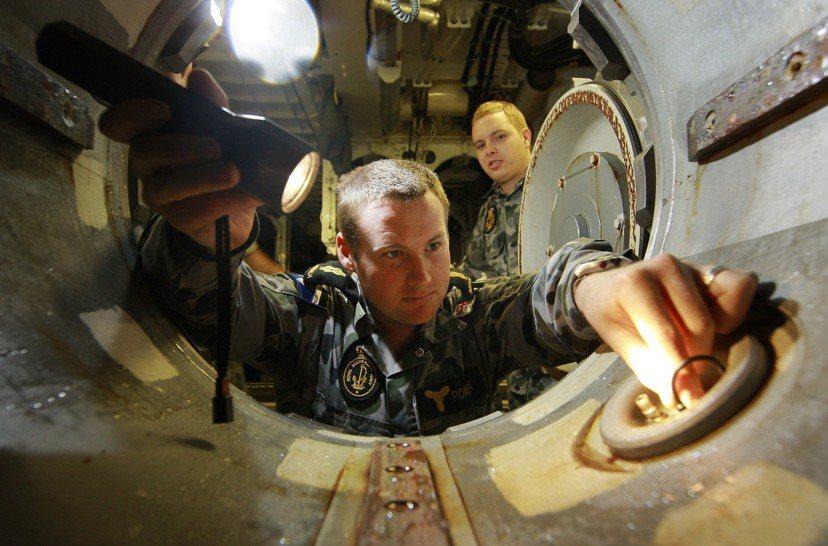 柯林斯級真正的夢魘,是澳洲皇家海軍在技術上的野心過大,讓其技術來源變成「八國聯軍...