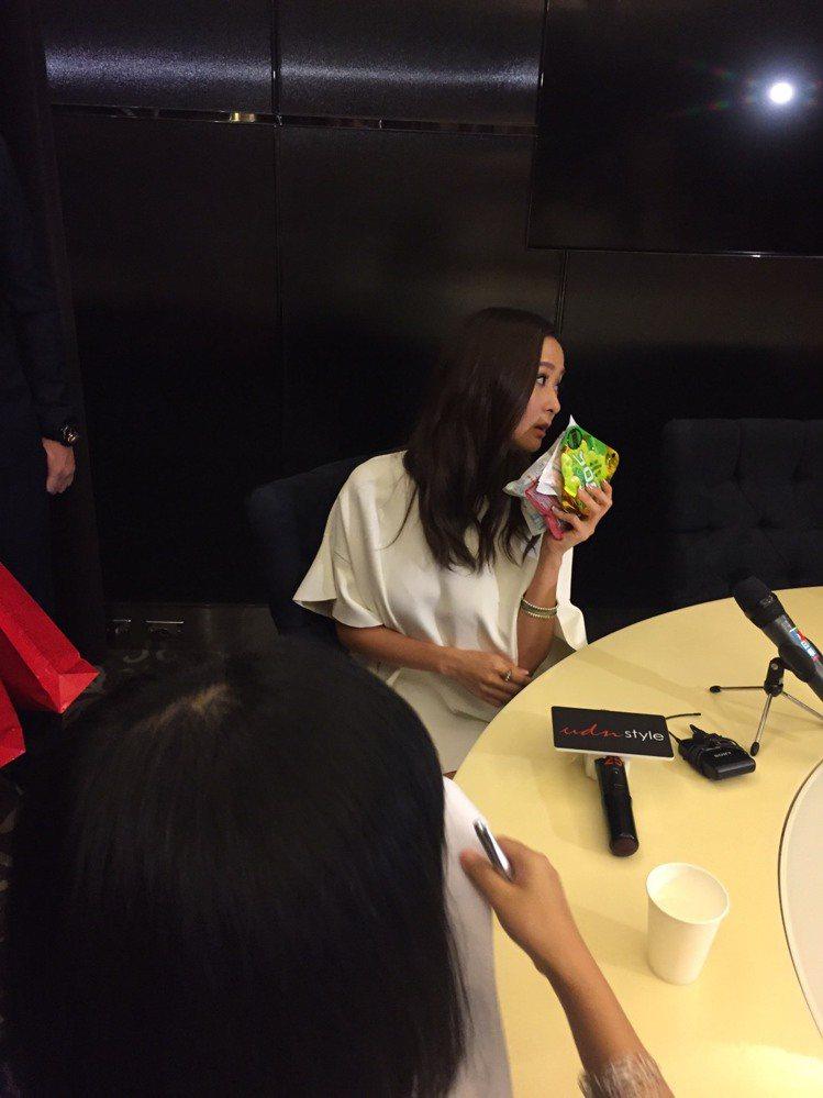 孫芸芸的包包裡都會放她喜歡吃的軟糖。記者楊詩涵/攝影