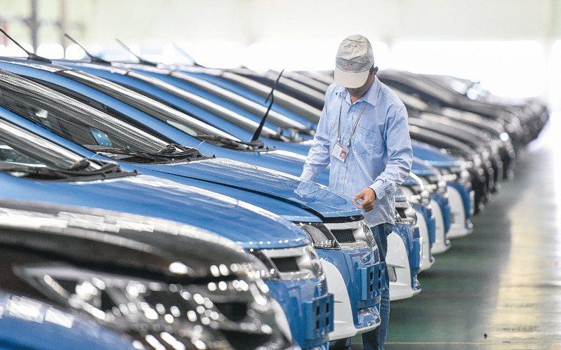 根據陸媒報導,2019年中國私家車(自用小微型客車)保有量首次突破2億輛,達2.07億輛。 新華社
