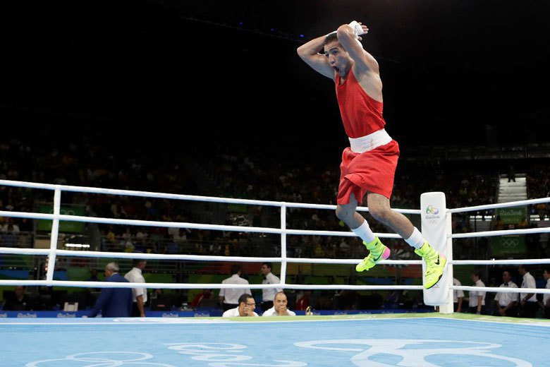 烏茲別克的拳擊選手Shakhram Giyasov表示自己為西羅球迷,所以做出這樣的慶祝動作,此舉讓他於巴西成為話題人物。 圖/美聯社