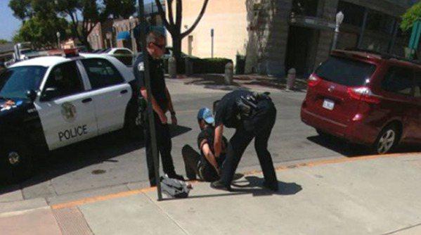精靈寶可夢Go玩家上街抓 抓到通緝犯