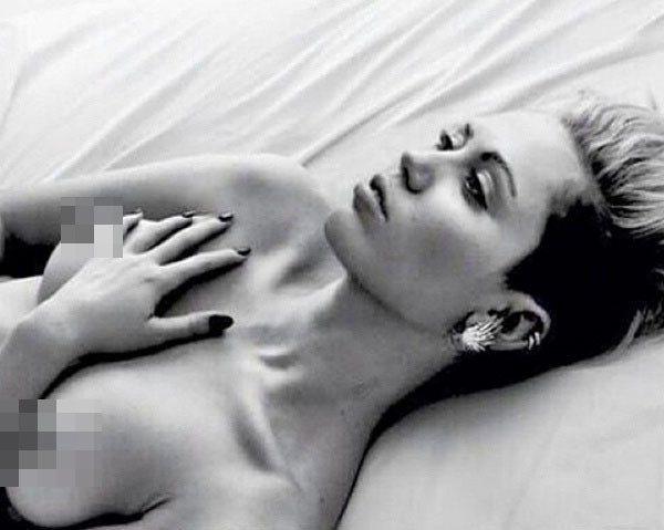 麥莉希拉曾在instagram傳上空照,對「乳房解放運動」表示支持。圖/擷自ho...