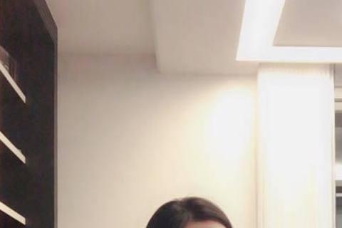 即將在9月26日於泰國清邁結婚的陳怡蓉,前天晚上從泰國回來時,在機場苦等不到自己的行李,最後詢問航空公司,才知道原來泰國海關在她行李內發現有彈殼,所以將行李扣留下來,而這時她才想起之前在國外打靶時,...