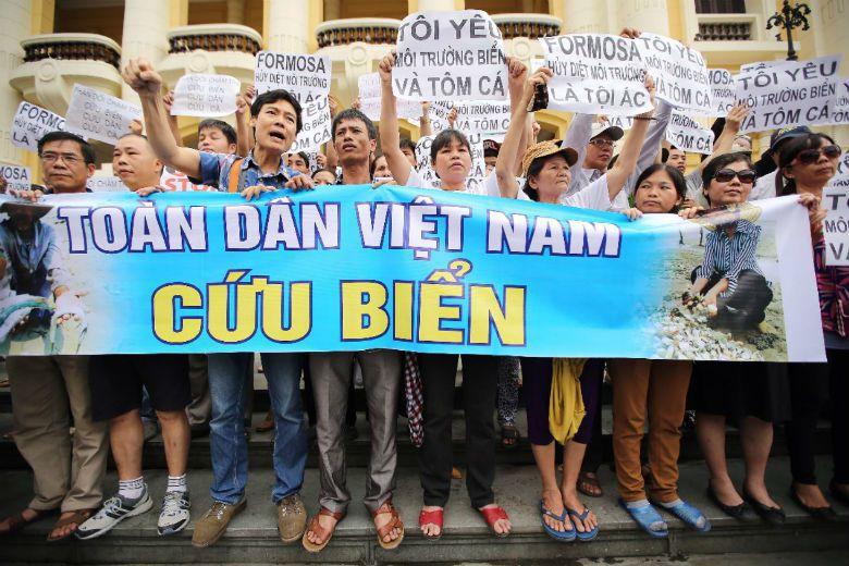 雖說,越南政治的公共參與與西方國家仍相去甚遠,但過去10年間的政治改革,提供了社...