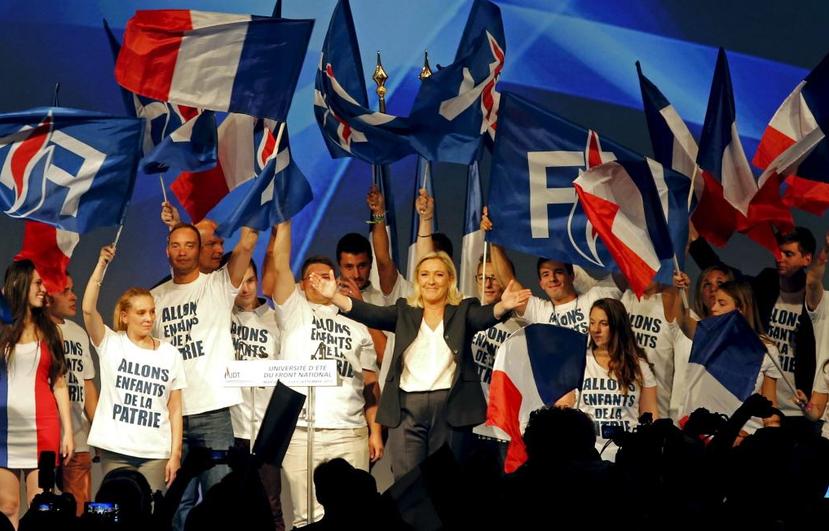 民粹主義者雖然號稱代表多數群眾意志、反抗菁英、但弔詭的是,在這種「民主」裡,反而...