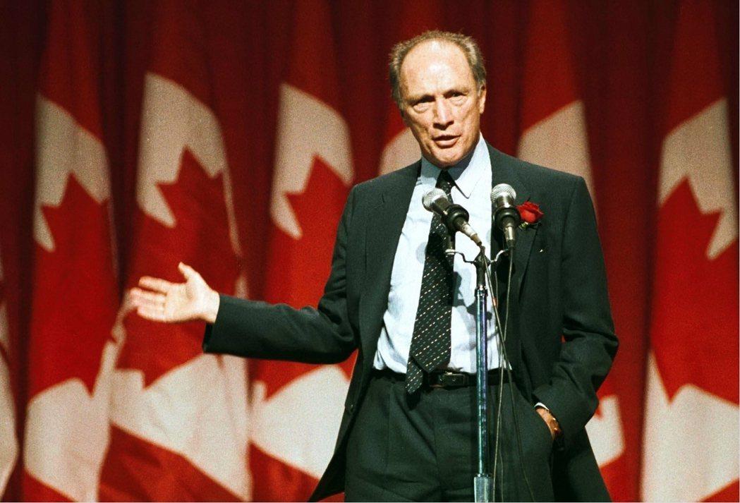 加拿大人民投票給賈斯汀的原因部分在於他有個了不起的老爸——皮耶‧杜魯道,一個讓加...