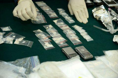 在嚴懲與減害之間:淺談國際藥物法
