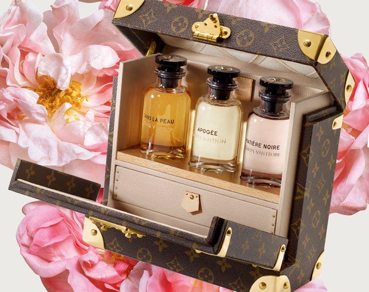 旅行箱概念外盒包裝,打造20年代復古感。圖/摘自notey
