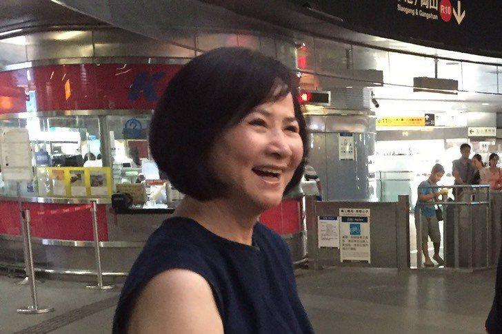 前副总统吴?义的呋人去年7月成立「青溪妇女协会」,被外界认为?跟原国民党底下的青...