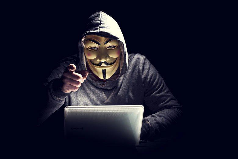 今天我們還在耽心個人隱私的資安問題,其實我們正在主動送出的隱私比起被駭的部份多得...