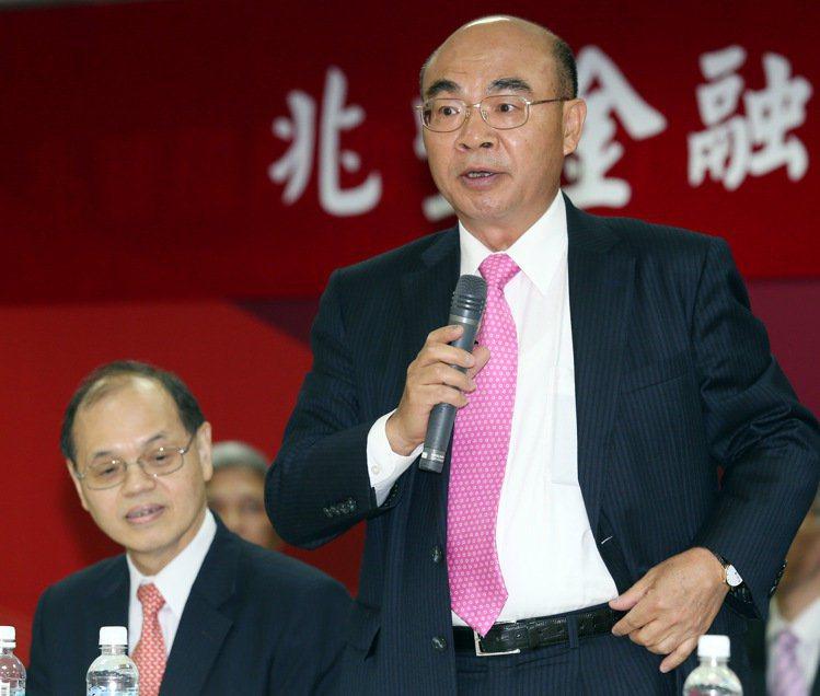 蔡友才(右)、徐光曦(左)。 圖/報系資料照