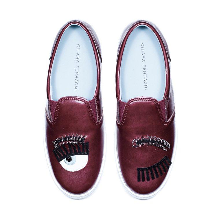 Flirting系列酒紅眉環厚底鞋,售價13,600元。圖/Chiara Fer...
