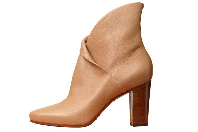 Heritage Boot駝膚色小羊皮短靴,44,000元。圖/CELINE提供