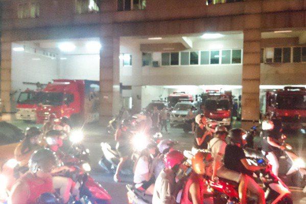 民眾瘋抓寶 抓到消防局去