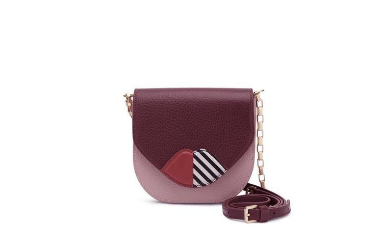 紅唇鏈袋包,15800元。圖/LULU GUINNESS提供
