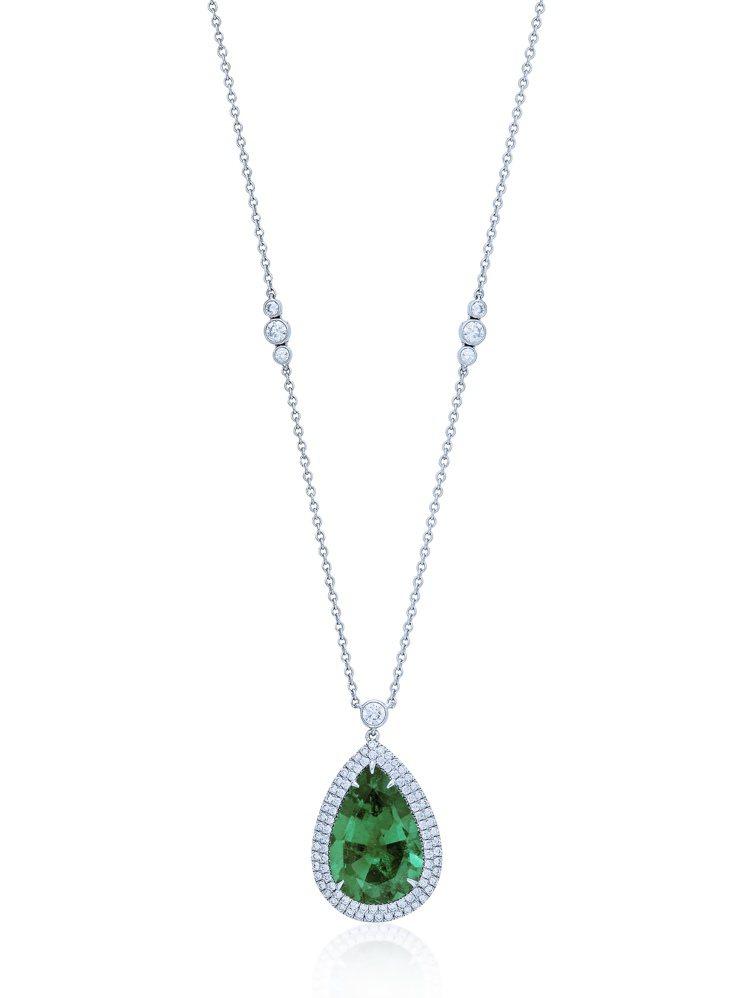 Tiffany 10.37克拉梨形切割祖母綠鑽石項鍊,1432萬5,000元。圖...