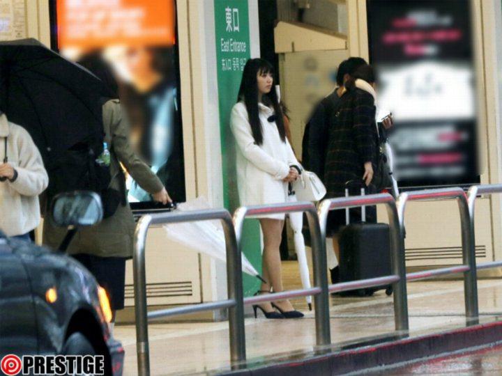 谷田部和沙在街上等你搭訕。 圖片來源/ prestige-av
