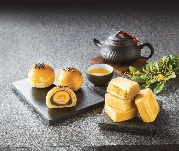 家樂福今年除了自製月餅外,也推出鼎泰豐等知名品牌月餅。圖/家樂福提供